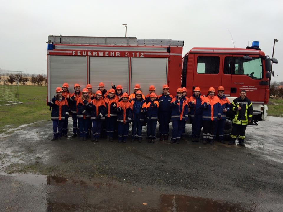 10 JF Mitglieder absolvieren Jugendflamme 2