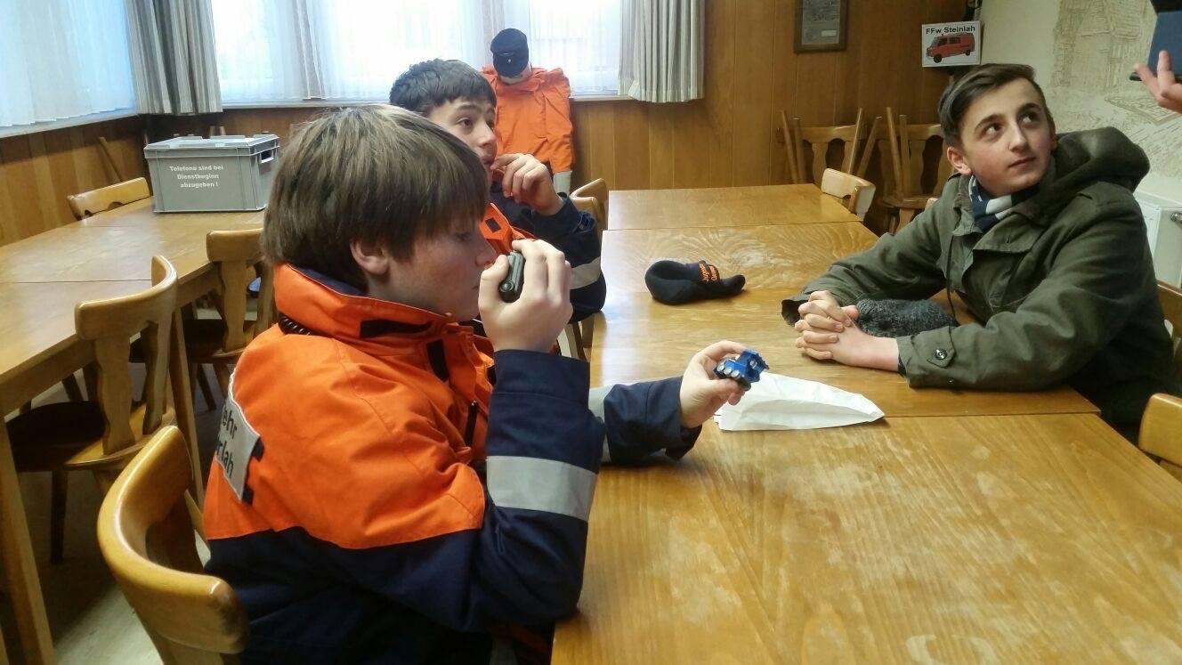Jugendfeuerwehr – Dienst – Kocht eine Funksuppe